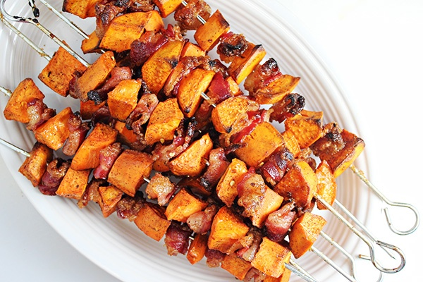 20 DELICIOUS SKEWER-SERVED RECIPES FOR YOUR MEMORIAL DAY PARTY