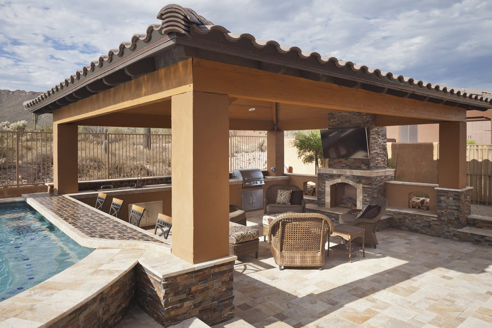 5 OF OUR FAVORITE OUTDOOR LIVING FEATURES