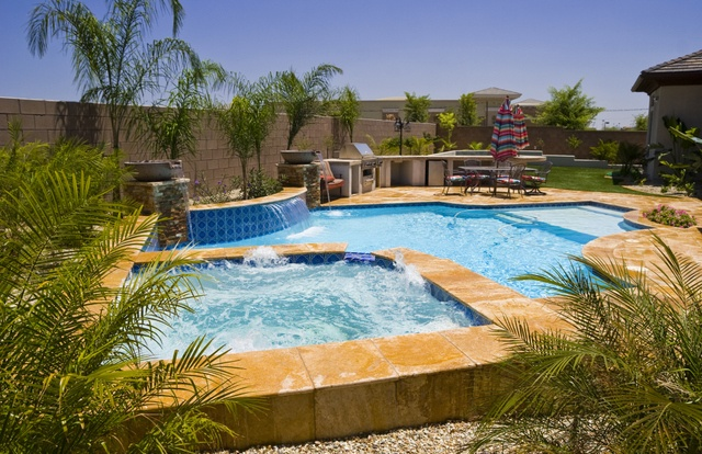 6 TIPS FOR POOL MAINTENANCE IN THE FALL